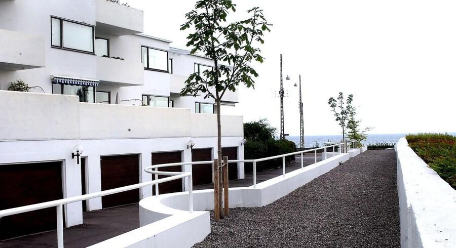 """Arne Jacobsens """"Bellevue"""" på Strandvejen er blevet en slags vartegn for Klampenborg."""