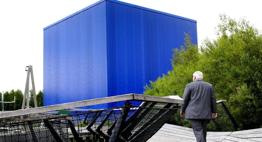 Jørgen Mads Clausen, bestyrelsesformand, Danfoss. Han er søn af Danfoss' grundlægger Mads Clausen. Jørgen går tur i sin oplevelsespark Danfoss Universe. Parken startede da Jørgen købte den blå firkant, der er Islands pavillion fra en af verdensudstillingerne.