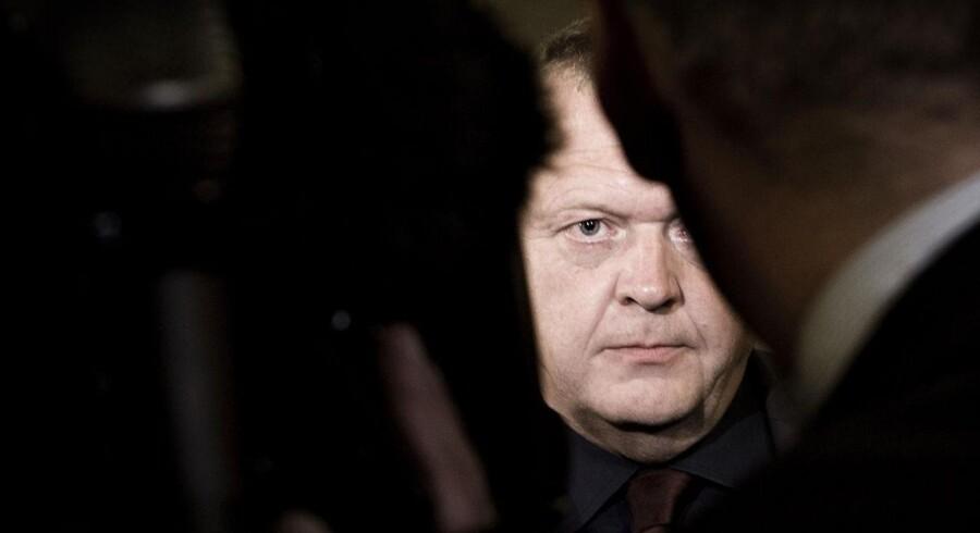 Venstres formand, Lars Løkke Rasmussen (V), afviser at fortælle, om der er betalt skat af den Venstre-betalte familierejse til Mallorca.