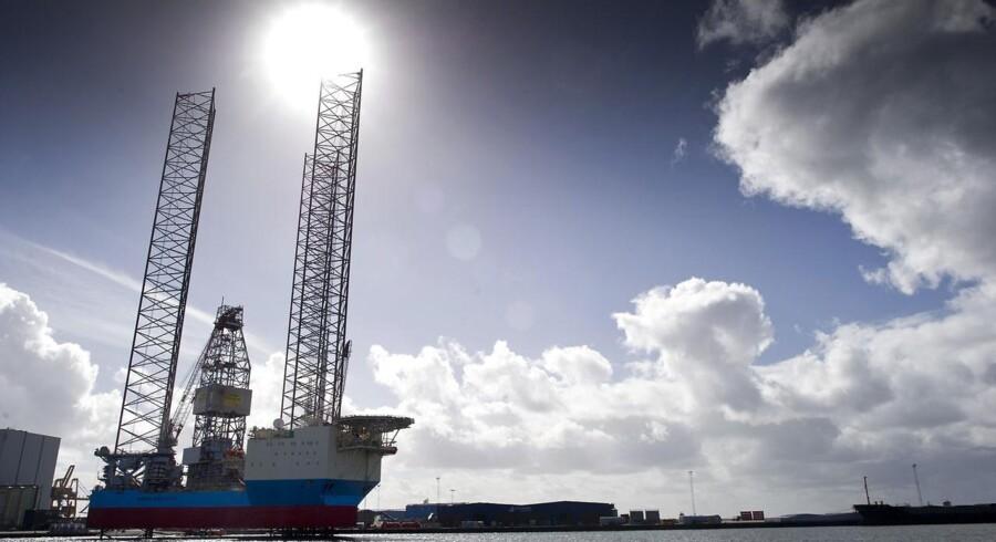 Mærsk Innovator er verdens største jack-up rig, og det er et kapløb med tiden at få den færdig, så den kan komme tilbage på kontrakt i Nordsøen. Ellers koster det flere hundrede tusind dollars om dagen i tabt fortjeneste. 2012 er et dyrt år for Maersk Drilling, hvad angår værftsophold (seks ialt), men det er nødvendigt for at opretholde flådens høje standard.