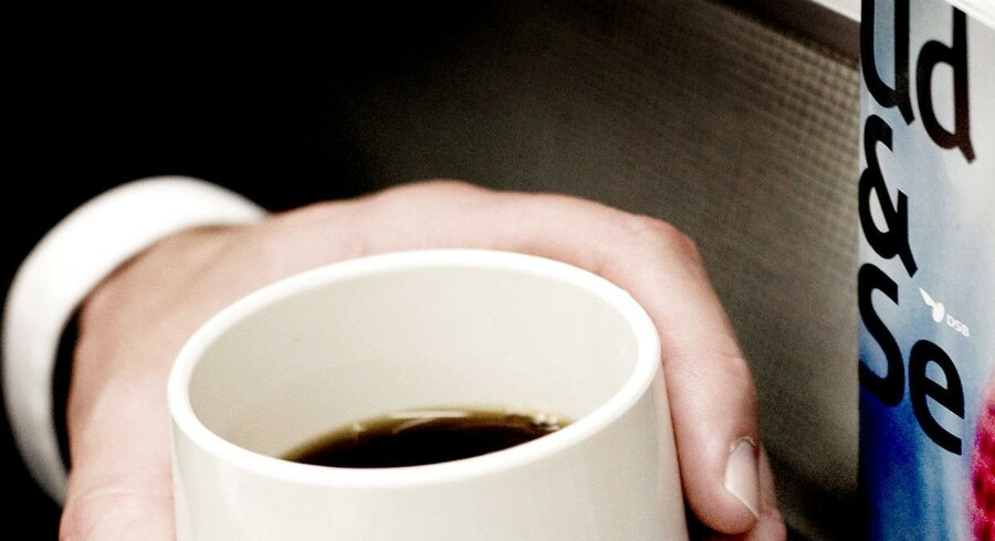 Salget af kaffe, snacks og blade i togene har samlet kostet DSB et underskud på 925 millioner kroner på ni år.
