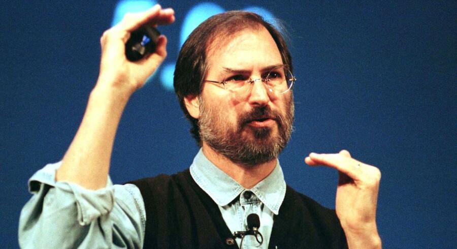 FBI har offentliggjort en 21 år gammel, hemmeligstemplet rapport om den afdøde Apple-grundlægger Steve Jobs. Her er han fotograferet under en konference i 1997.