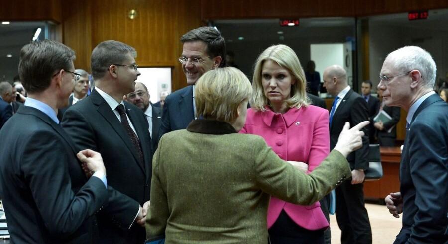 Helle Thorning-Schmidt blandt regeringslederkollegerne (fra venstre til højre) finske Jyrki Katainen, lettiske Valdis Dombrovskis, hollandske Mark Rutte og tyske Angela Merkel samt den nuværende formand for Det Europæiske Råd, Herman Van Rompuy ved et møde i Bruxelles tidligere på året.