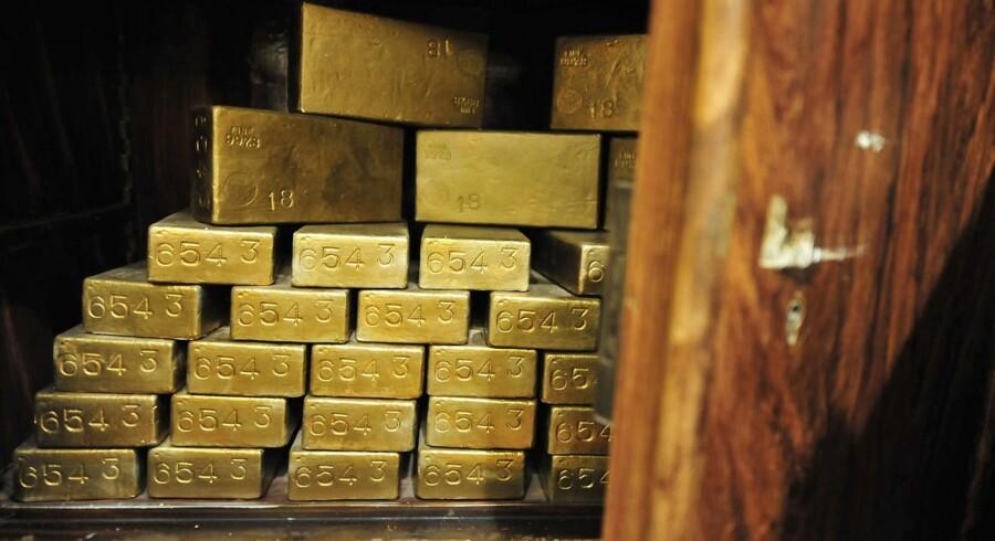 En stor del af Bundesbanks guldreserver ligger i dag i Paris og New York. Modelfoto.