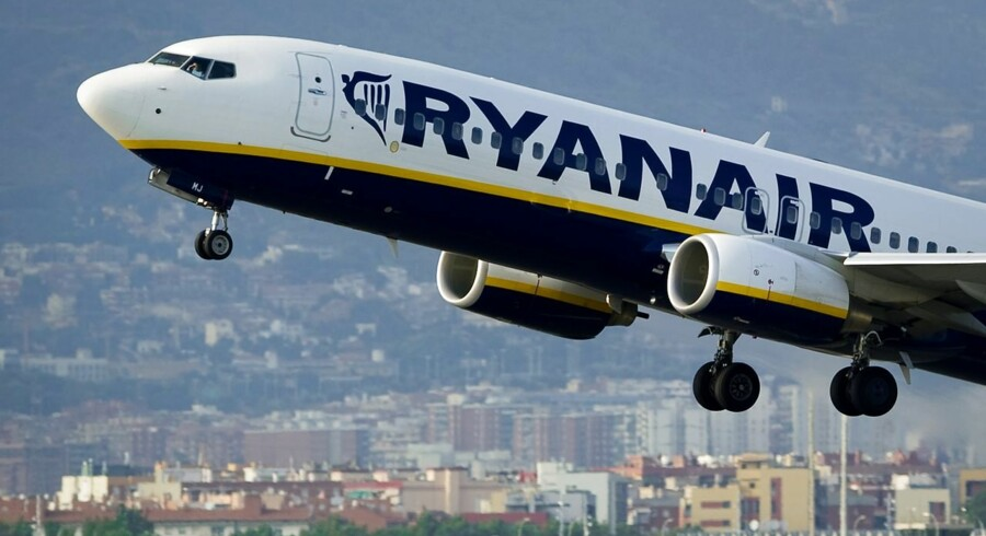 (FILES) - A picture dated September 1, 2010 shows a Ryanair plane taking off from Barcelona's airport. Irish no-frills airline Ryanair said on May 26, 2015 that annual net profits surged by two thirds, boosted by improved customer services, rising sales and sliding oil prices. Earnings after taxation leapt 66 percent to 866.7 million euros ($944.1 million) in the year to March 31, compared with 522.8 million euros in 2013/2014, Ryanair said in a results statement. That beat the company's own guidance of between 840-850 million euros. AFP PHOTO / JOSEP LAGO