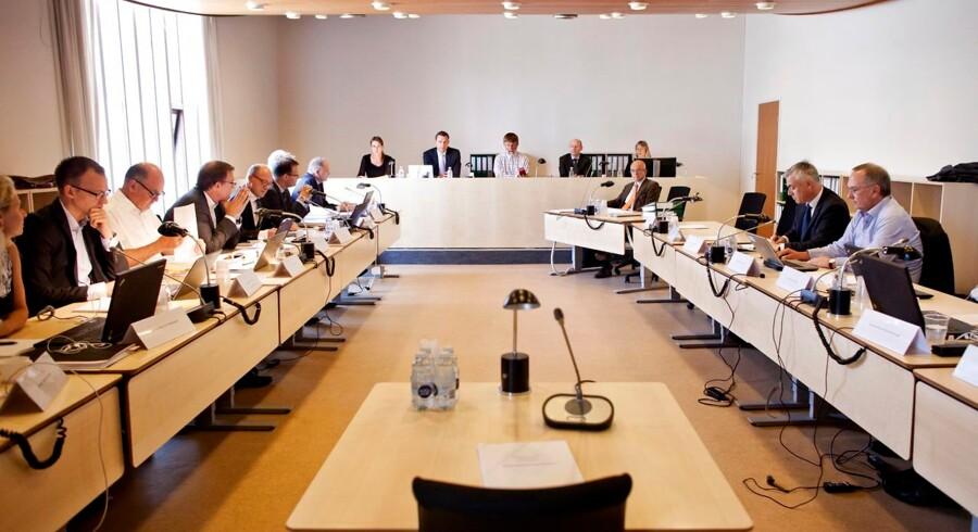 Skattesagskommissionen genafhører Lisbeth Rasmussen og Gergana Trasborg. I den forbindelse gjorde landsretsdommer Lars Andersen status på Fremtidsvej i Søborg.