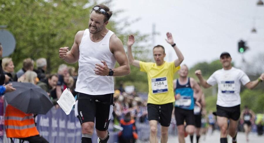 Der blev slået rekord ved dette års Copenhagen Marathon, da hele 9.700 af de cirka 12.000 deltagere nåede over målstregen. Ved mållinjen var der arme over hovedet og jubelscener.