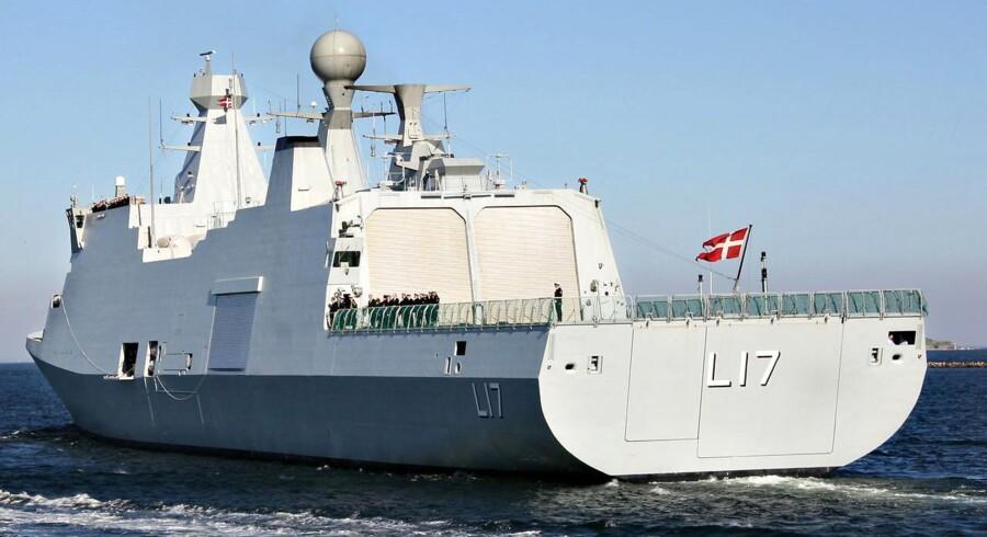 """Danmark forsøger stadig at finde et land i regionen, som vil modtage de 24 tilbageholdte somaliere ombord på støtteskibet """"Esbern Snare"""" og stille dem for retten."""