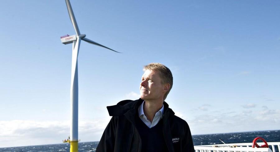 Dong Energys havvindmøller giver slet ikke det afkast af den investerede kapital, som topchef Henrik Poulsen har sat som mål.