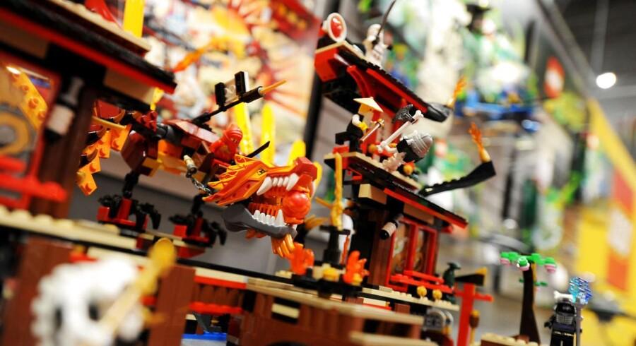 Lego taber fart, men Carsten Nielsen, varedirektør i Top-Toy, ser ingen tegn på, at Lego ikke kan øge sin markedsandel alligevel.