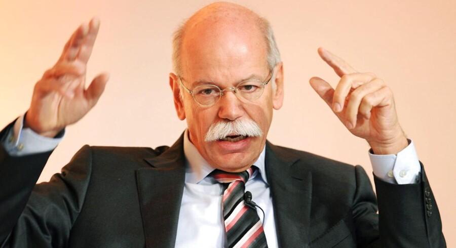 Siden 2006 har den jordnære Dieter Zetsche styret den tyske Daimler-koncern. Ingeniøren med det lune overskæg er midt i en Mercedes-offensiv for at generobre det herredømme, der er afgivet til rivalerne BMW og Audi.