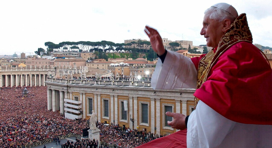 epa03578717 (FILE) A file picture dated 19 April 2005 shows then newly elected Pope Benedict XVI greeting pilgrims while standing on the balcony of St. Peter's Basilica, Vatican City. Pope Benedict XVI announced during a mass 11 February 2013 that he plans to step down on February 28. EPA/MARI / VATICAN POOL