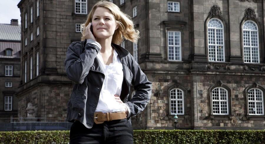 Johanne Schmidt-Nielsen lover at Enhedslisten vil holde skarpt øje med, hvordan de nye regler bliver ført ud i livet.