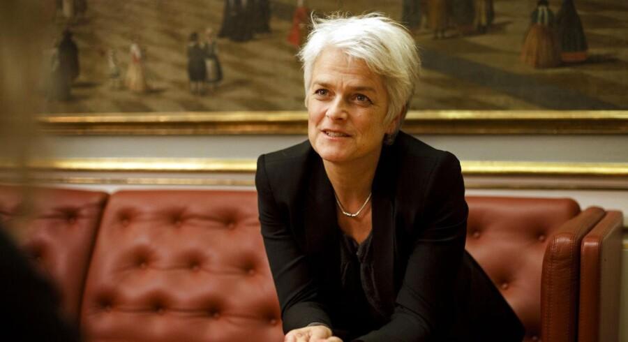 SF-formand Annette Vilhelmsen er også Erhvervs- og Vækstminister.