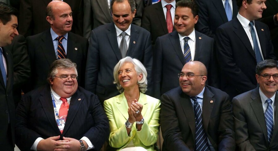 Christine Lagarde fra den internationale valutafond (IMF) omgivet af centralbankdirektører og finansministre fra G20-landene på mødet i Moskva.