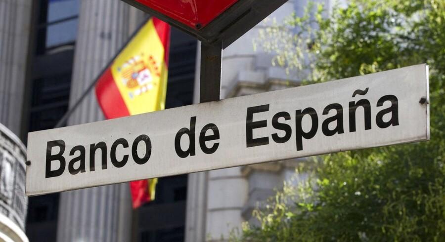 Det spanske bruttonationalprodukt faldt kun med 0,1 pct. i andet kvartal i forhold til første kvartal af 2013, hvilket tolkes som lovende for en ende på recessionen.
