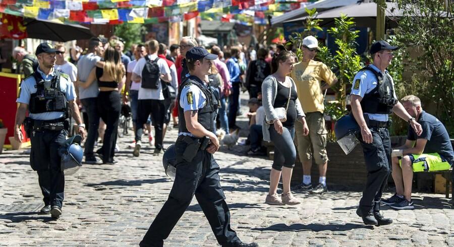 Pusher Street genåbnede fredag efter have været lukket i tre dage. Lørdag morgen rydede politiet alle boder. (Arkivfoto) (Foto: Nils Meilvang/Ritzau Scanpix)