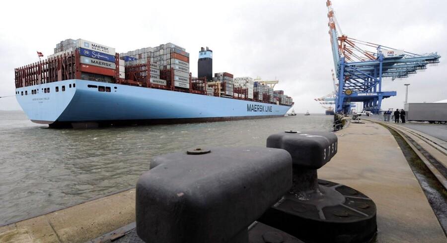 »Mærsk Mc-Kinney Møller« anløber her Bremerhaven på sin jomfrufærd. På tirsdag går verdens største containerskib under Storebæltsbroen for første gang.