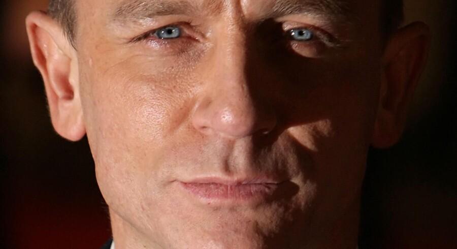 Skuespilleren Daniel Craig er den seneste, der har trukket i agenthabitten.