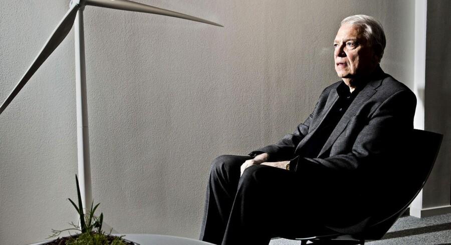 Vestas' mangeårige bestyrelsesformand Bent Erik Carlsen er blevet presset ud af aktionærerne.