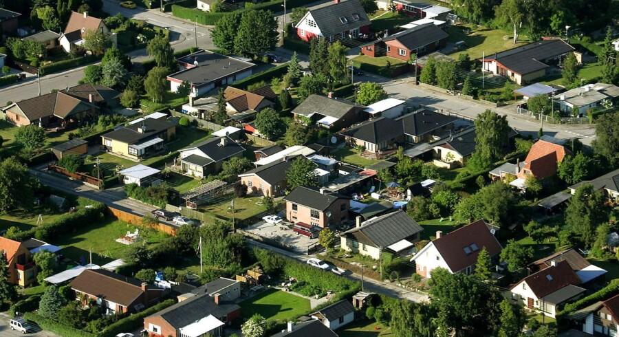 Hvert fjerde hus, der har skiftet ejer i år, blev handlet til en pris, der ligger markant under den offentlige vurdering.
