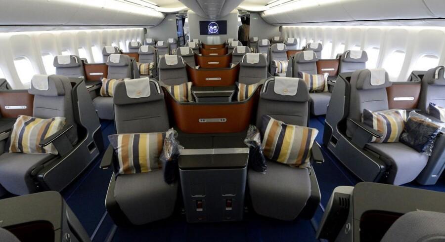 Det er blandt andet ny indretning på business class i Boeing 747-8, som Lufthansa vil lokke de erhvervsrejsende med.