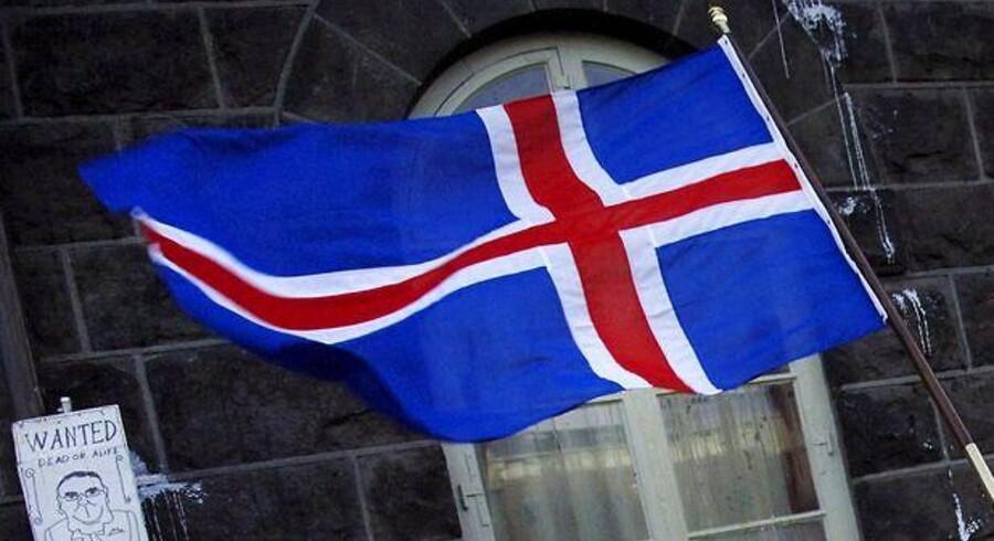 Islands landsbank har købt Pihl & Søns islandske datterselskab Istak efter konkursen for en uge side.