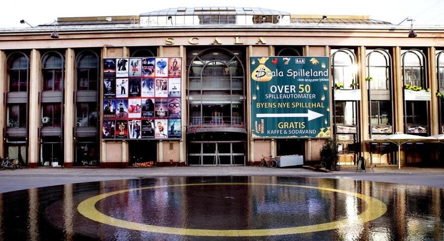 ARKIVFOTO. Tivolis Venner raser over udsigten til et 10 etagers højt byggeri over for hovedindgangen.