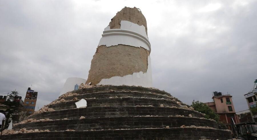 Dharahara-tårnet efter jordskælvet. EPA/NARENDRA SHRESTHA