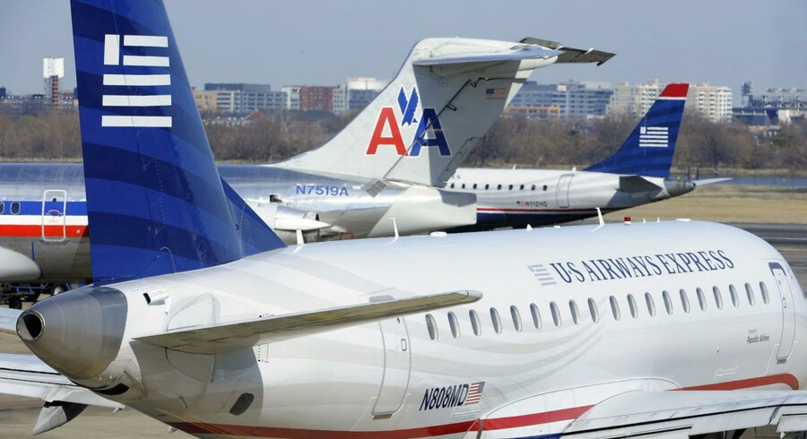 Fusionen mellem de to amerikanske luftfartselskaber American Airlines og US Airways kommer i dag et skridt nærmere.