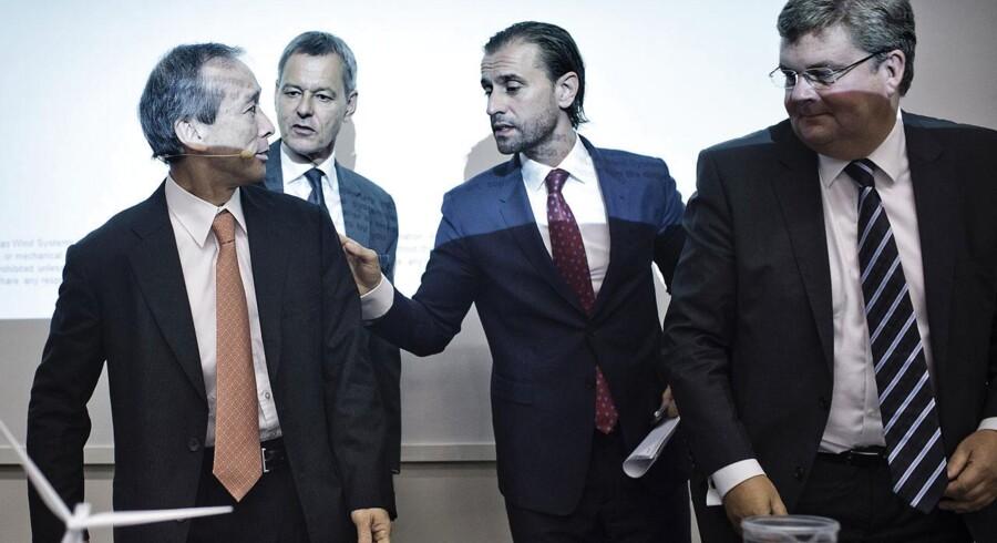 Det nye partnerskab mellem Vestas og Mitsubishi vil trække Vestas Cash flow mod forbedringer. Her Jin Kato fra Mitsubishi, Jens Tommerup, Morten Albæk og Anders Runevad fra Vestas.