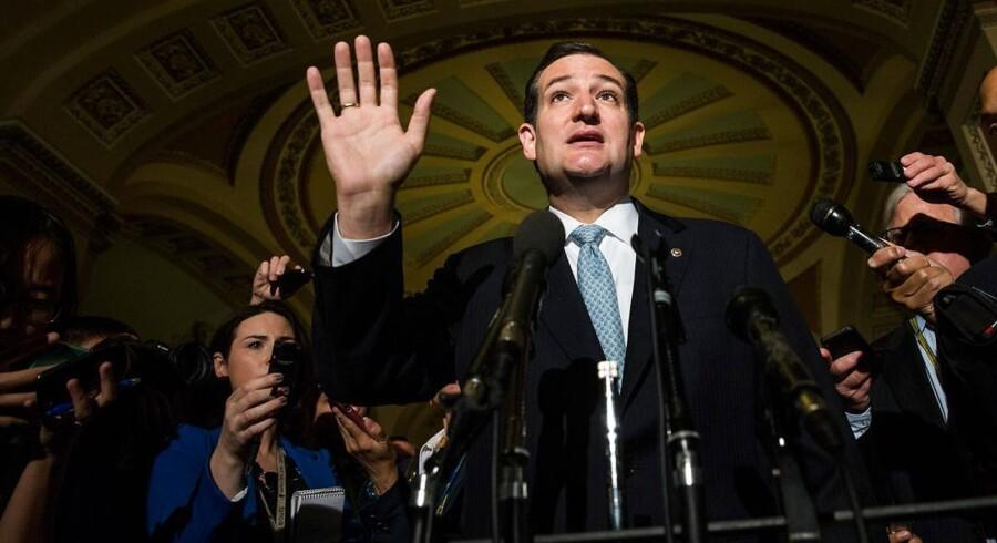Senator Ted Cruz møder pressen onsdag.