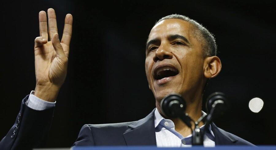 Barack Obama på tur on the campaign trail for at støtte Tom Wolf, der går at blive guvernør i Pennsylvania.