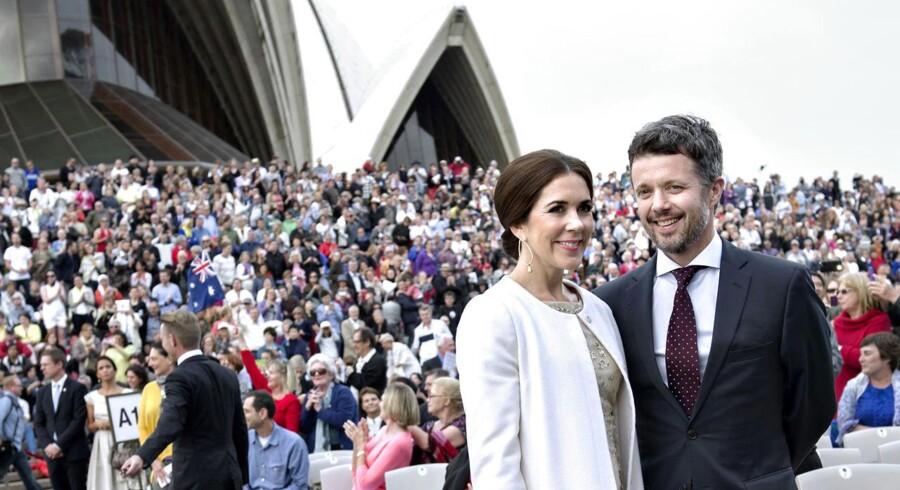 Kronprinsparret deltog søndag i gallakoncert i og offentlig fejring af Sydneys vartegn - det dansktegnede operahus.