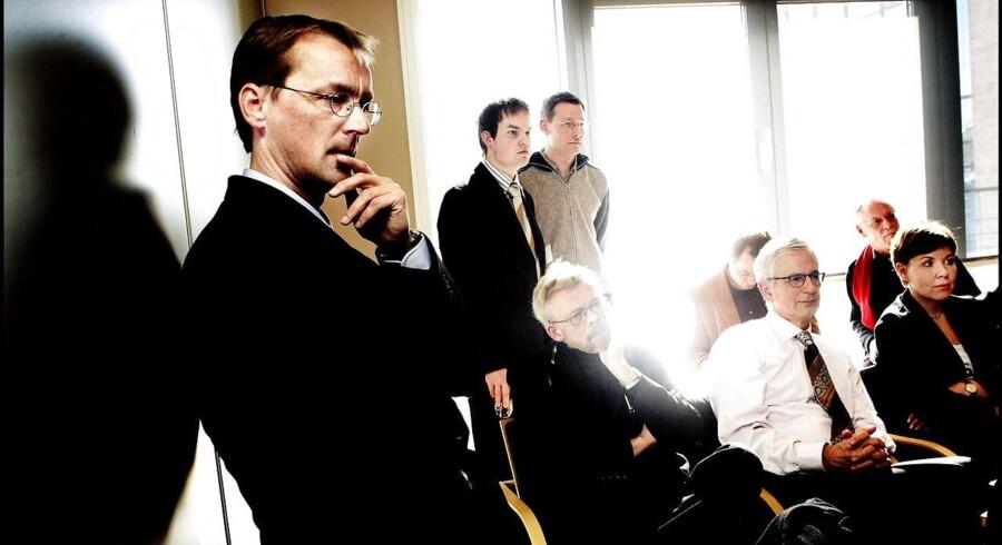 ».. I år og til næste år er usikkerheden ekstraordinær stor på grund af reglerne for beskatning af kapitalpensioner.« siger økonomi professor Torben M. Andersen, der også er tidligere overvismand.