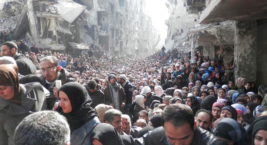 Billedet - som i øjeblikket går verden rundt - er taget af FN-folk 31. januar i den belejrede, palæstinensiske flygtningelejr Yarmouk i den sydlige del af Syriens hovedstad, Damaskus. Se flere billeder fra Yarmouk-lejren her.