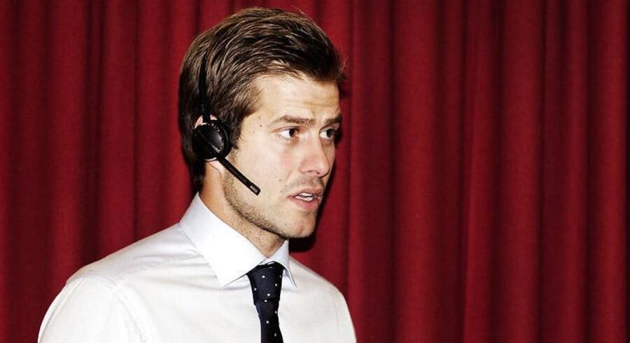 Her er det kommunikationsdirektør Michael Bjergby, der bærer et af GN Store Nords nye headset.