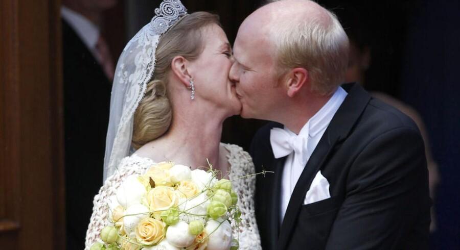 Den danske prinsesse Nathalie zu Sayn-Wittgenstein-Berleburg er blevet gift med Alexander Johannsmann ved et stort bryllup i Berleburg.