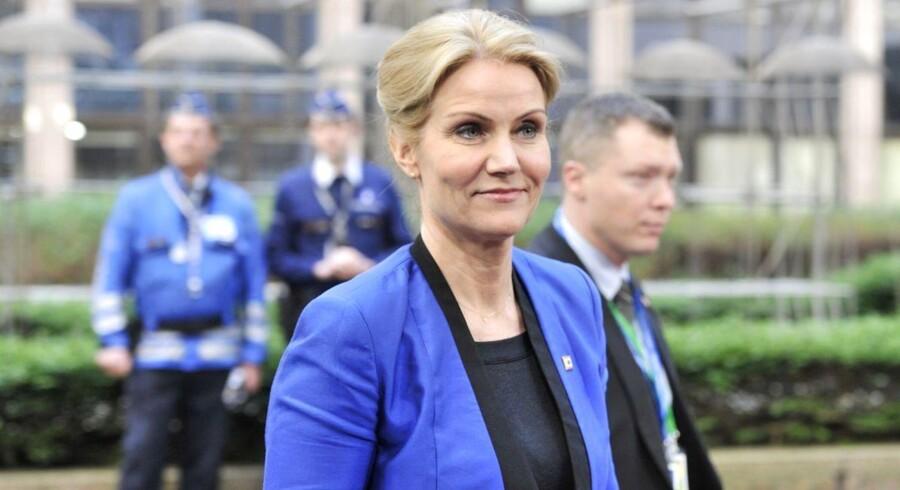 Den danske statsminister, Helle Thorning-Schmidt (S), ankommer her til EUs hovedkvarter i Bruxelles.