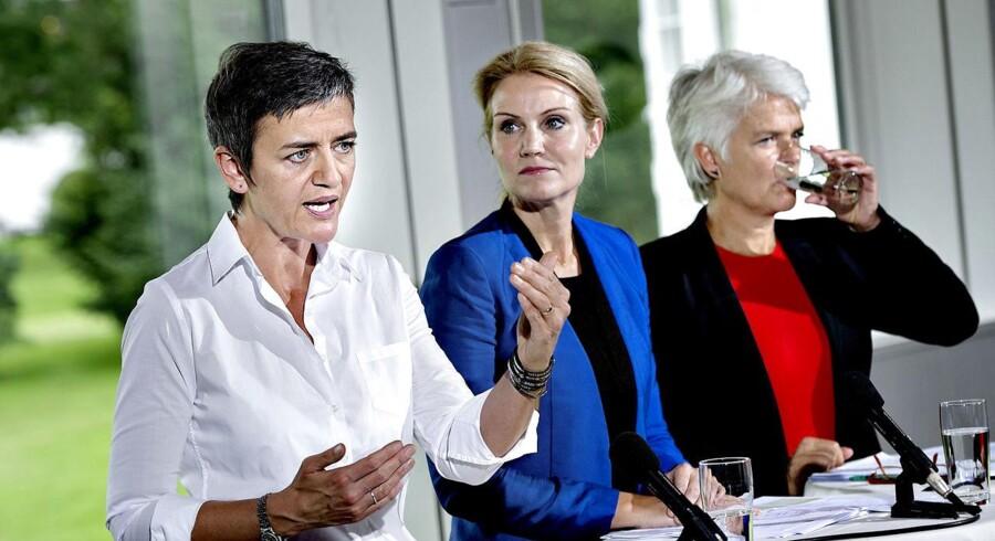 ARKIVFOTO af Helle Thorning-Schmidt (S), Margrethe Vestager (RV) og Annette Vilhelmsen (SF).