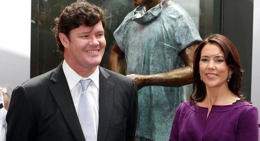 Kronprinsesse Mary sammen med den australske spillemogul James Packer.
