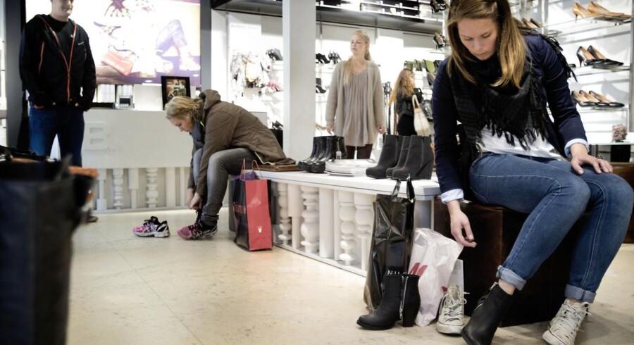 Ejerne af skokæden Bianco har måttet skyde 25 millioner kroner i virksomheden, der er under pres fra indkøb på nettet.