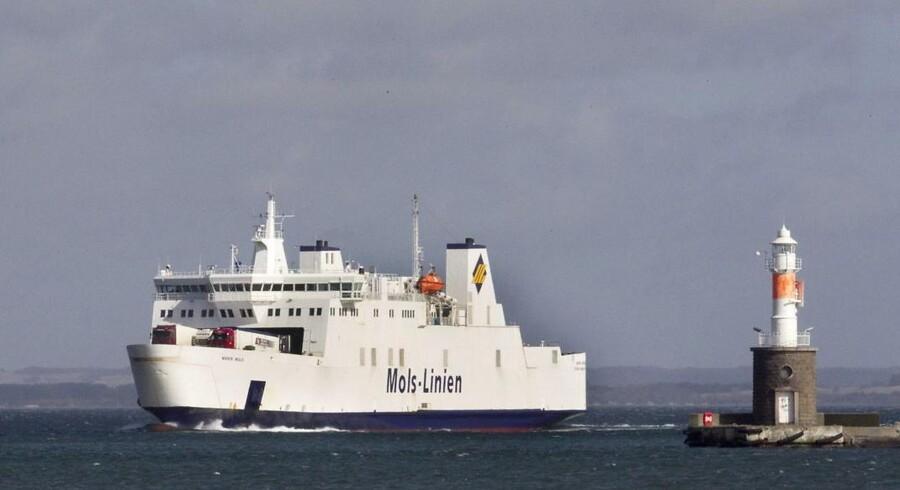 Vandvejen mellem Sjælland og Jylland har hidtil været færgebetjent.