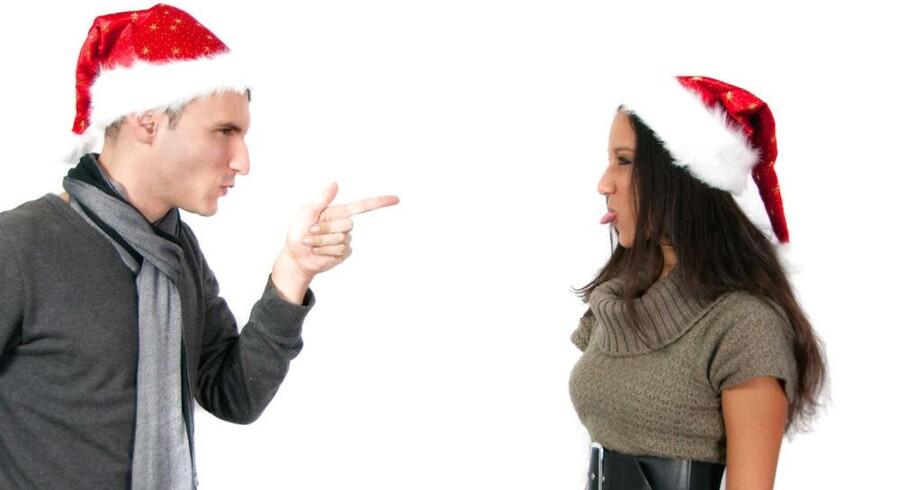 Der er nu kun tre uger til julefrokosten, og planlægningen er godt i gang – tror du. For nu kommer medarbejderen Anya til dig og siger, at de er blevet vildt uvenner i udvalget.