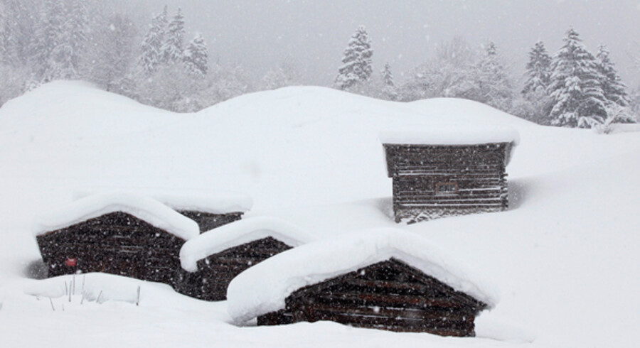 Det heftige snevejr i Alperne, her er i Schweiz, fortsætter.