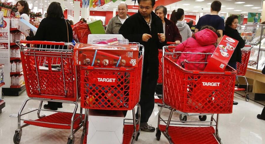 Black Friday dagen efter Thanksgiving blev traditionen tro en stor shoppedag i USA.