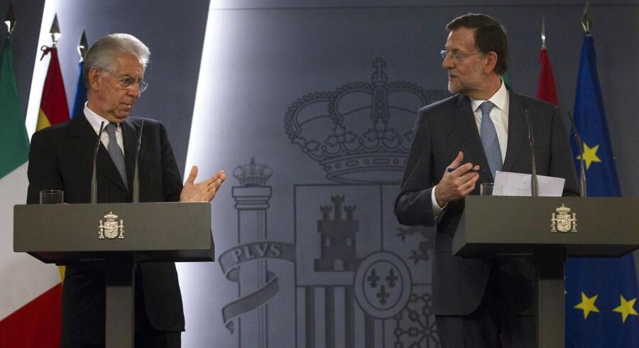 Hvem rykker først? Selv om hjælpen er på vej fra ECB, så er der ikke prestige i at blive den første af Spaniens Mariano Rajoy og Italiens Mario Monti til at overdrage nyheden om endnu flere sparekrav til deres befolkninger.