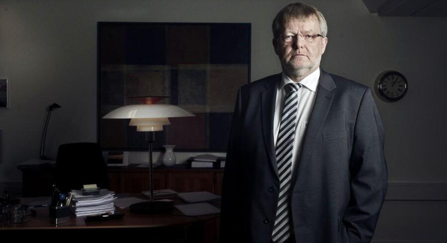 Tidligere direktør i Skat København Erling Andersen udtræder af Skats direktion efter kritik fra Skattesagskommissionen.