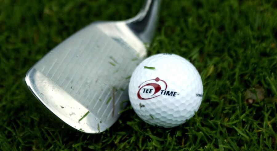 De omstridte villaer bliver ifølge søstrenes oplysninger brugt af Carsten Overgaard og Karsten Thuen, der begge er passionerede golfspillere, til at pleje deres forretnings- og golfinteresser.