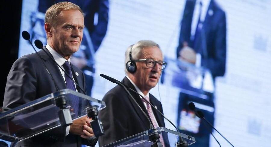 Formanden for Det Europæiske Råd, Donald Tusk, og formanden for EU-Kommissionen, Jean-Claude Juncker, på pressemødet efter topmødet uden Storbritannien i Slovakiets hovedstad Bratislava. EPA/OLIVIER HOSLET